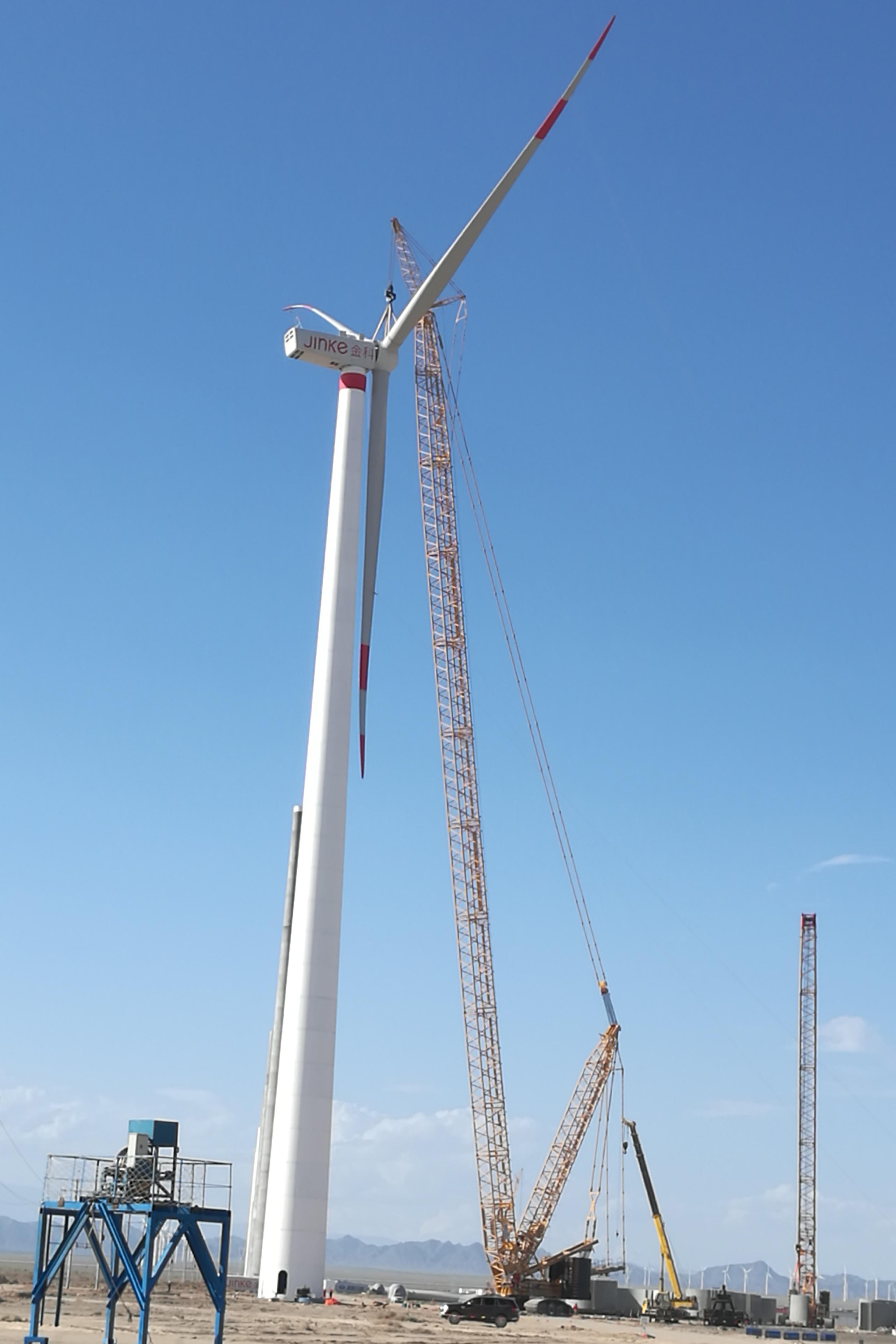 MJ-2017年,新疆哈密风电项目采用OVM锚固体系及塔筒安装施工——国内首例、世界最高混凝土风电塔筒(120米)-1.jpg