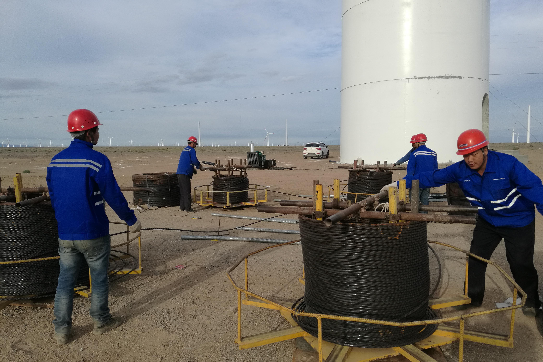 新疆哈密景峡风电项目施工